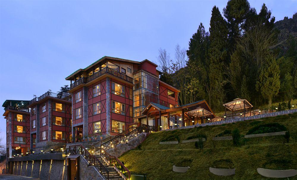 Hotel R K sarovar