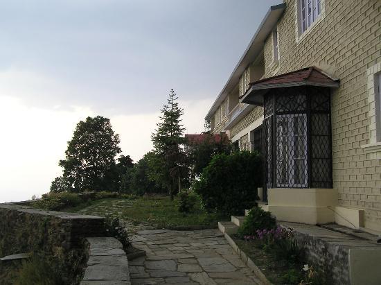 Grand oak Manor
