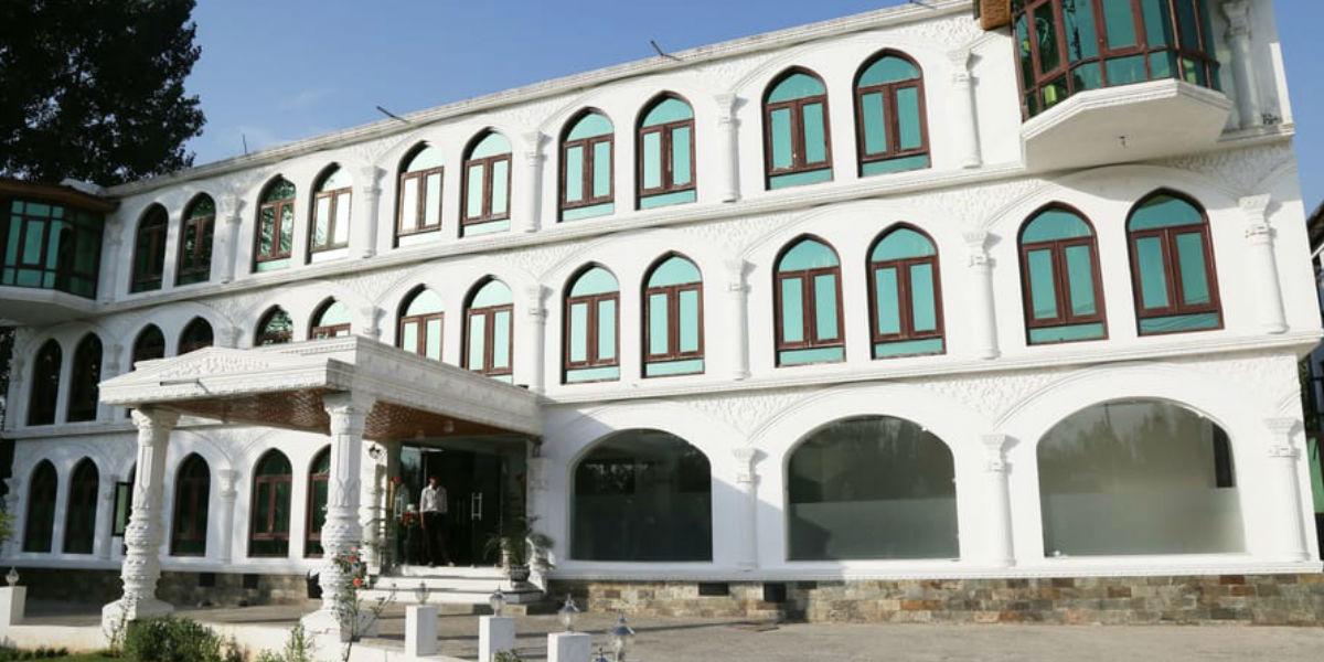 Hotel Naqash Residency