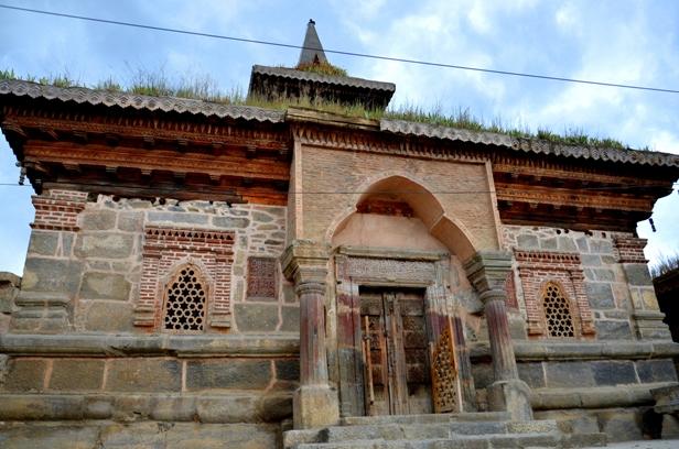 Tomb of Madin Sahib