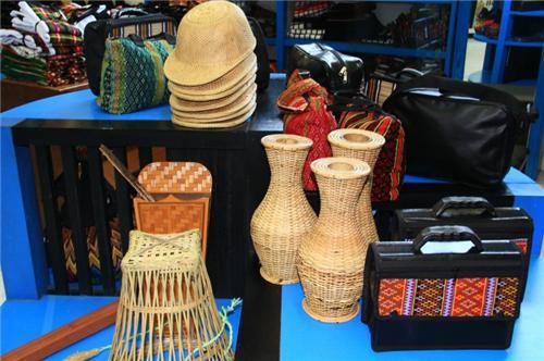 Luagmul Handicrafts Centre