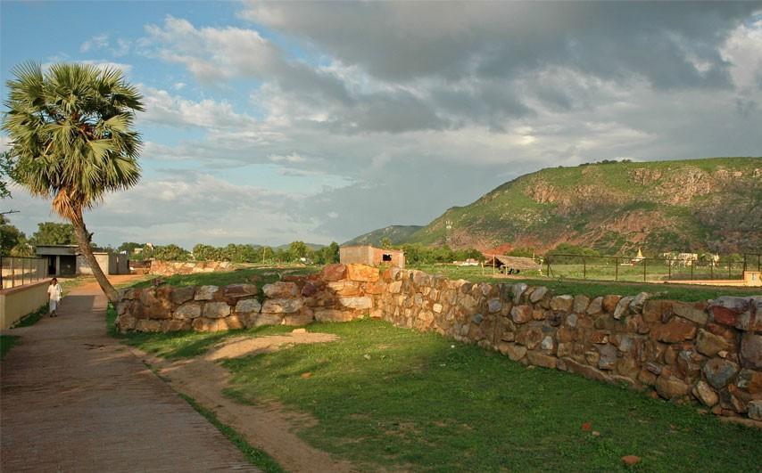 Ajatshatru Fort
