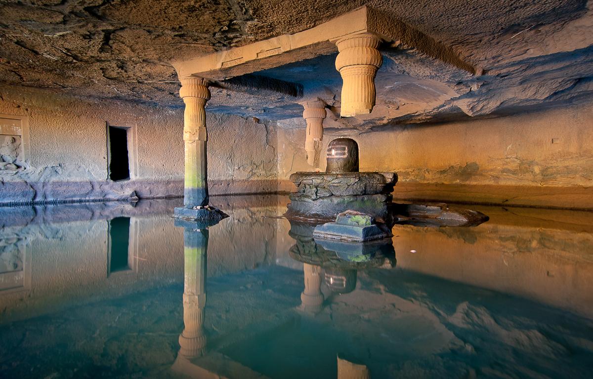 Kedareshwar Cave