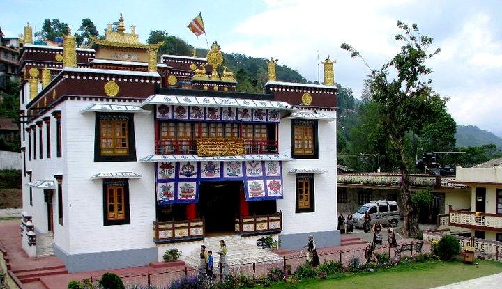 Gaden Tharpa Choling Monastery