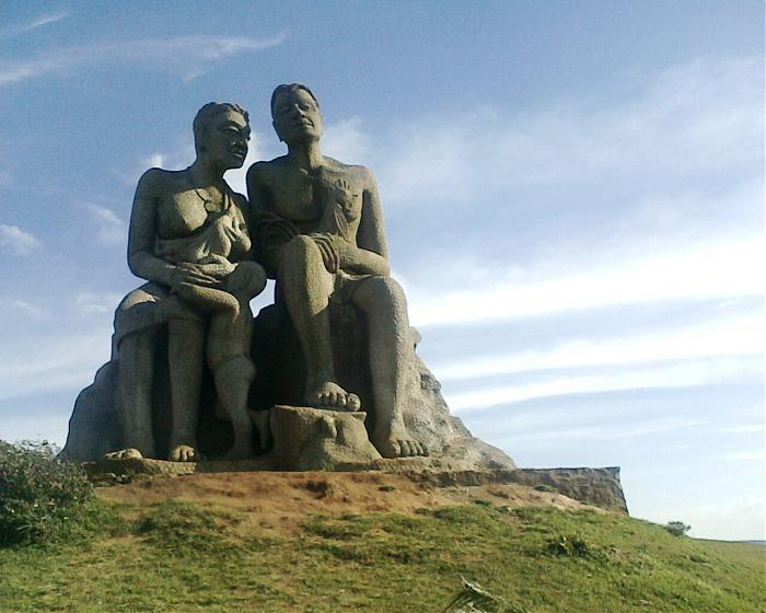 Statue of Kuruvan & Kuruthi
