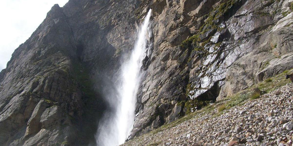 Vasundhara Waterfalls